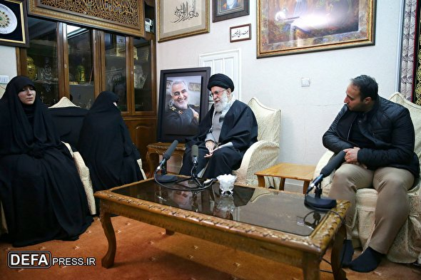 Leader's visit to family of martyr Gen. Soleimani