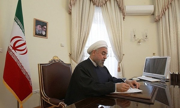 Rouhani congratulates Christmas to Pope, world leaders