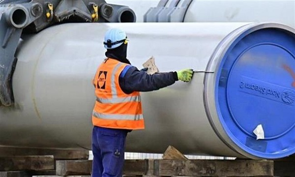 Russia resumes Baltic pipeline construction in defiance of US